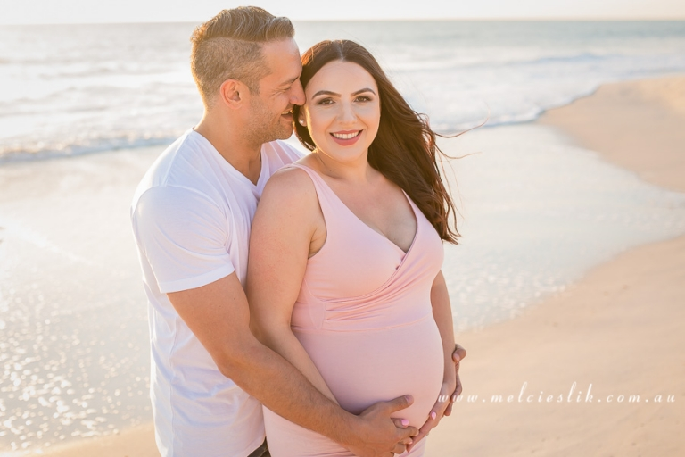 sunset-maternity-session-beach